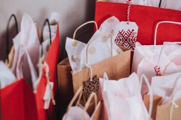 """Más de 40 comercios de El Molar participan en la quinta edición de la campaña """"Esta Navidad, compra en El Molar""""."""