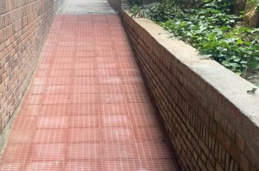 Terminadas las obras de eliminación de barreras arquitectónicas de la calle El Almendro